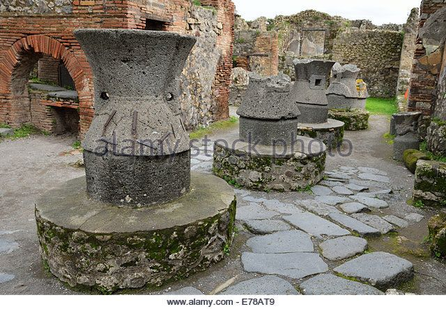 Greek pottery restored in the ancient Pompeii - Stock Image