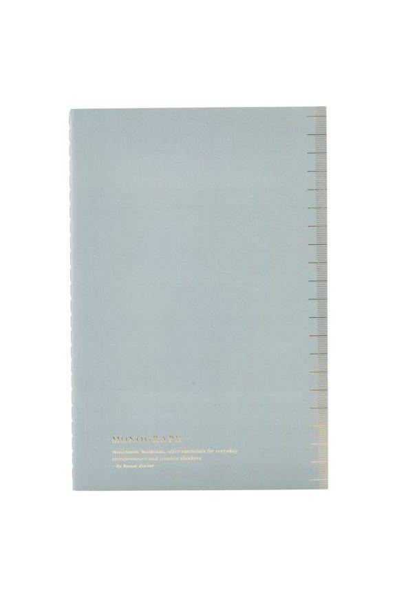 Kardemumma.net HOUSE DOCTOR.  MONOGRAPH NOTEBOOK SOFT LIGHT BLUE A5  Vacker A5 anteckningsbok från House Doctor. Anteckningsboken har ett elegant utseende. Använd den till dina studier, på kontoret eller som en liten dagbok för stora och små tankar. Anteckningsboken är en del av House Doctors eleganta Monograph-serie. Den fina smuts ljusblå/grå färgen kommer att se bra ut på alla skrivbord.  Mått: A5  35 SEK