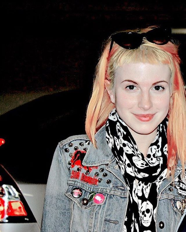 The one, the only, the very smol and lovely, Hayley Williams