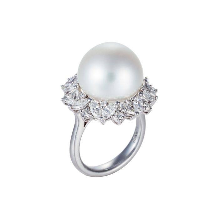 White South Sea Pearl Ring with White Gold & Diamonds