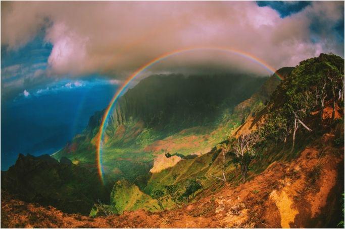 full circle rainbow kalalau na pali coast. kauai hawaii photographer