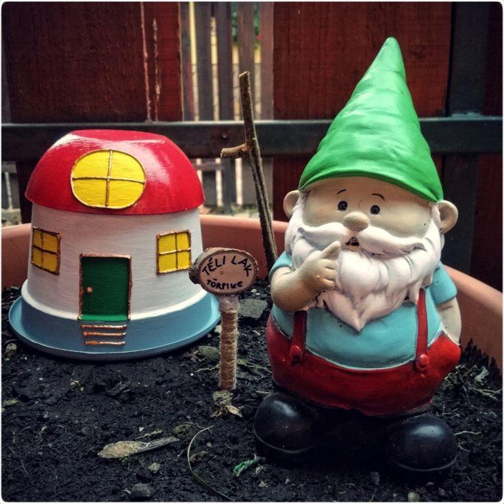 Winter home for our garden gnome / Téli lak a kerti törpénknek
