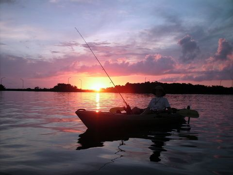 Nighttime Kayak Fishing. I am so ready to do some of this, this summer!