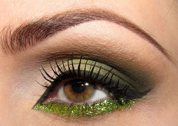 Green!! and great eye brows