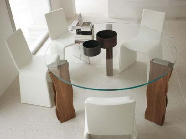 After the living room, the dining room is one of the places with greater prominence within the home.
