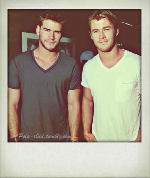 Hemsworth brothers // Noo words.: Chris Hemsworth, Hotties, Chrishemsworth, Man Candy, Liam Hemsworth, Hemsworth Brothers, Hemsworthbrothers, Hemsworth Boys, Guys