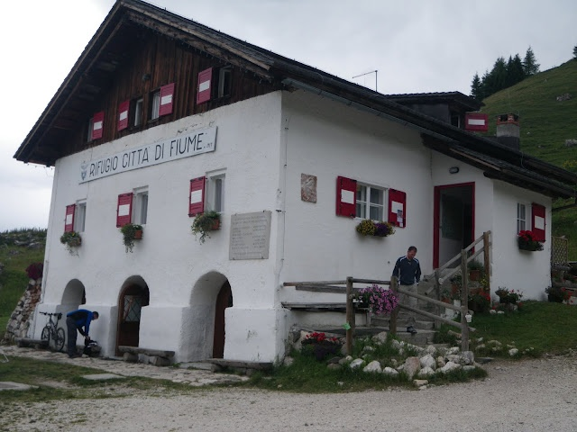 Refugio Di Fiume - great overnight stop after a long days trek.