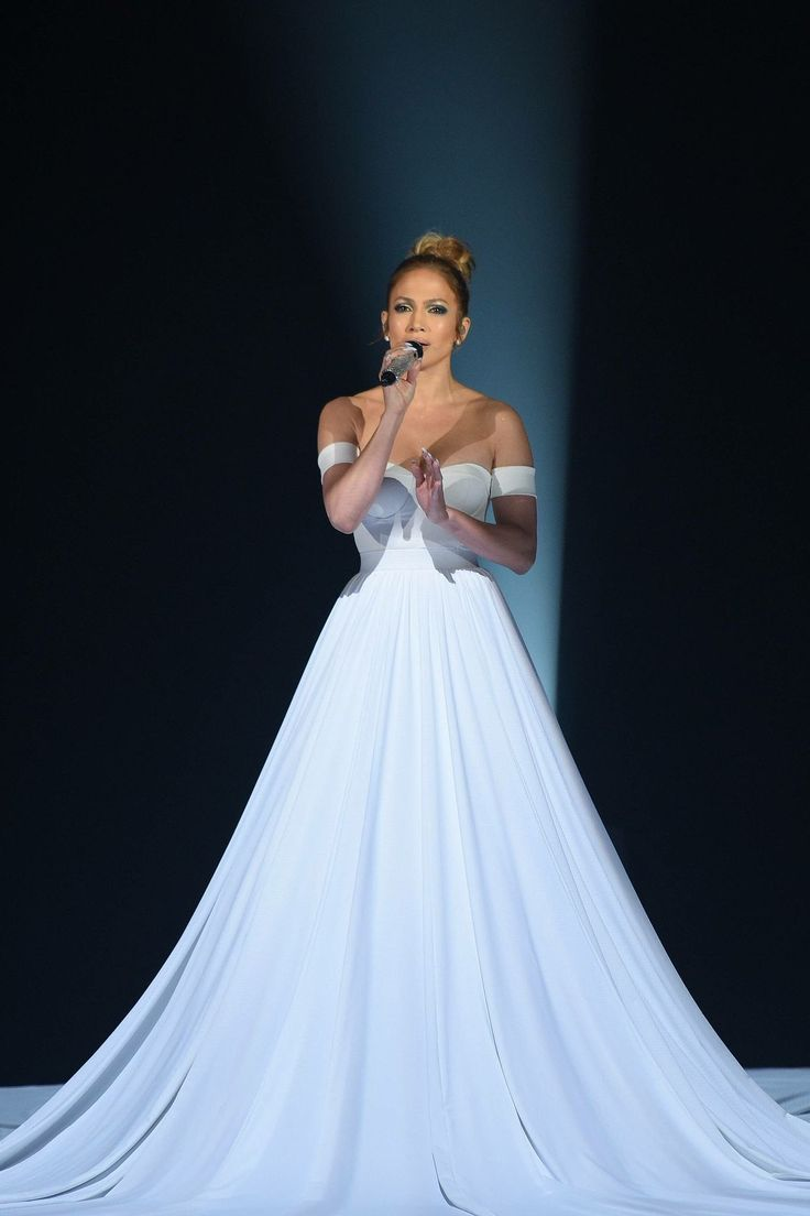 Jennifer Lopez's Infinite, Magical Ball Gown Is the Biggest Dress We've Ever Seen