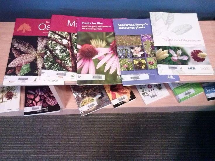 Más libros! #libros #jardinbotanico #coleccion de libros