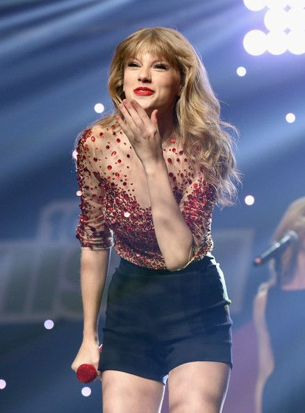 Taylor Swift Photostream | Taylor swift concert, Taylor ...