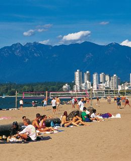 Kits Beach in Vancouver - amazing place to run, play volleyball and people watch. #vancouver #jefffitzpatrickrealtor