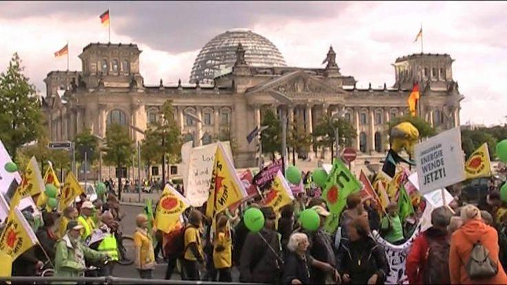 Germans fighting to keep Energiewende that #MeanieMerkel wants to undermine https://www.youtube.com/watch?v=osahcEDV_Ug