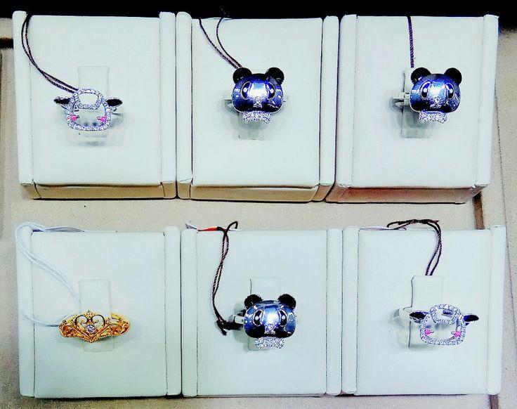 Kate🎁Harry fashion jewellery rings on display  #folomefashion #folome #jewellery #diamond  Find us on instagram folome.fashion