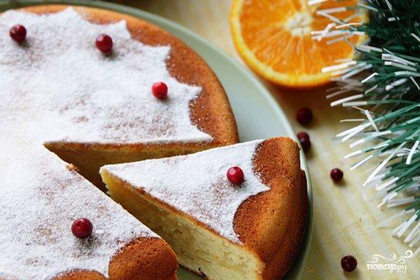В Греции на Новый год и Рождество принято печь специальный новогодний торт в честь святого Василия - Василопитта. Этот торт является неотъемлемой частью греческого новогоднего праздника. Попробуем?