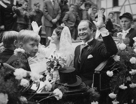 20 septembre 1960 : mariage du prince Welf-Heinrich de Hanovre (1923-1997) et de la princesse Alexandra de Ysenburg-Büdingen
