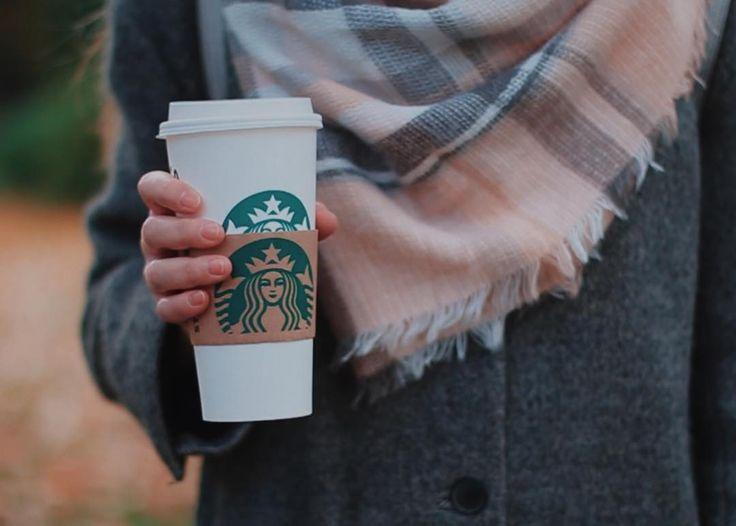 Кстати, сейчас я очень люблю пить осенние напитки в Старбаксе ☕️ Если у вас ещё нет их приложения, то скорее скачивайте его в профиле @starbucksrussia 💕 На первую покупку через приложение вам подарят кофе 🍁