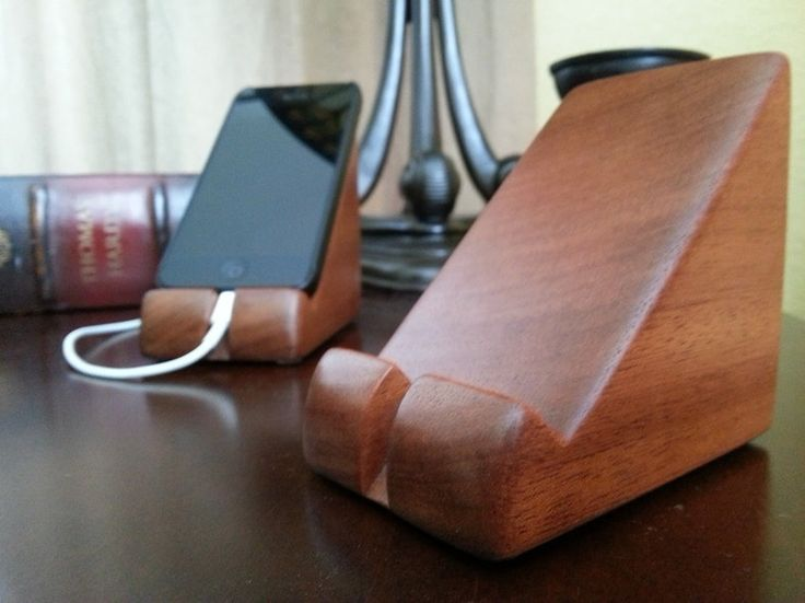 Wedge Dock iPhone Stand (OR WINDERS PHONES !!! WE HAVE THE NOKIA LUMIA 520. DB.)