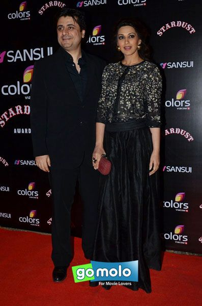 Sonali Bendre and husband Goldie Behl at Sansui Stardust Awards 2014 in Mumbai