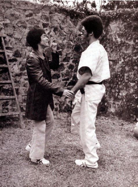"gutsanduppercuts: ""Bruce Lee and Jim Kelly on the set of ""Enter the Dragon"" """