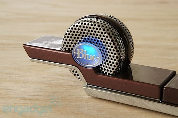 'Tiki' Blue's USB Microphone - a thumbdrive-sized mic