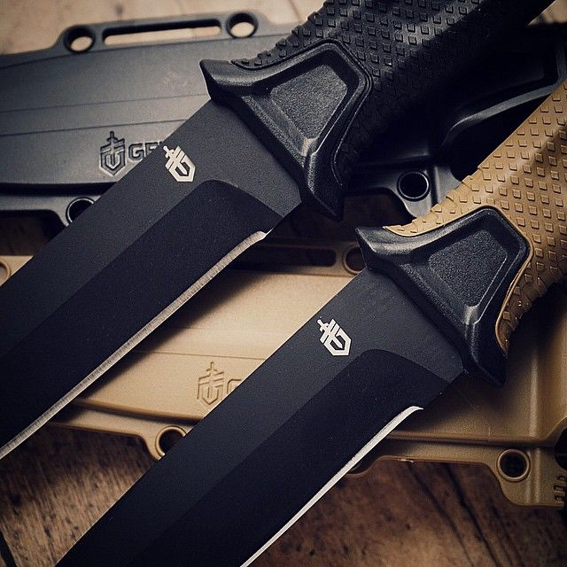 The Gerber StrongArm fixed blade. Available in black and coyote./// Finally a Gerber that doesn't kinda stink :)