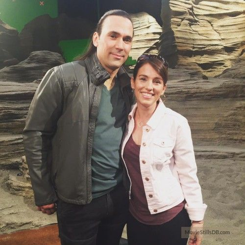 Power Rangers - Behind the scenes photo of Amy Jo Johnson & Jason David Frank