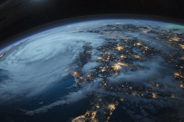 Hurricane 3D / Huragan 3D, Wielka Brytania/Francja 2014, reż. Andy Byatt, Cyril Barbancon #łódź #lodz #pgnig #transatlantyk #festival