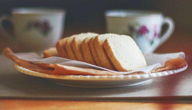 Πώς να Φτιάξετε Πεντανόστιμα Cookies Τριών Υλικών