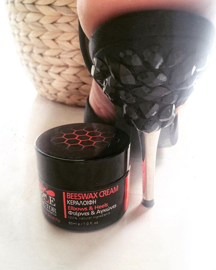 Σκληρές η σκασμένες φτέρνες, γόνατα και αγκώνες? Βάλτε ένα τέλος!🙅🏻 Αποστολή με αντικαταβολή σε όλη την Ελλαδα🐝  www.beefactor.gr #no_more_scratchy #beeswax #cream #heels #elbow #natural #cosmetics #organic #ingredients #beefactor #skinfood #skincare
