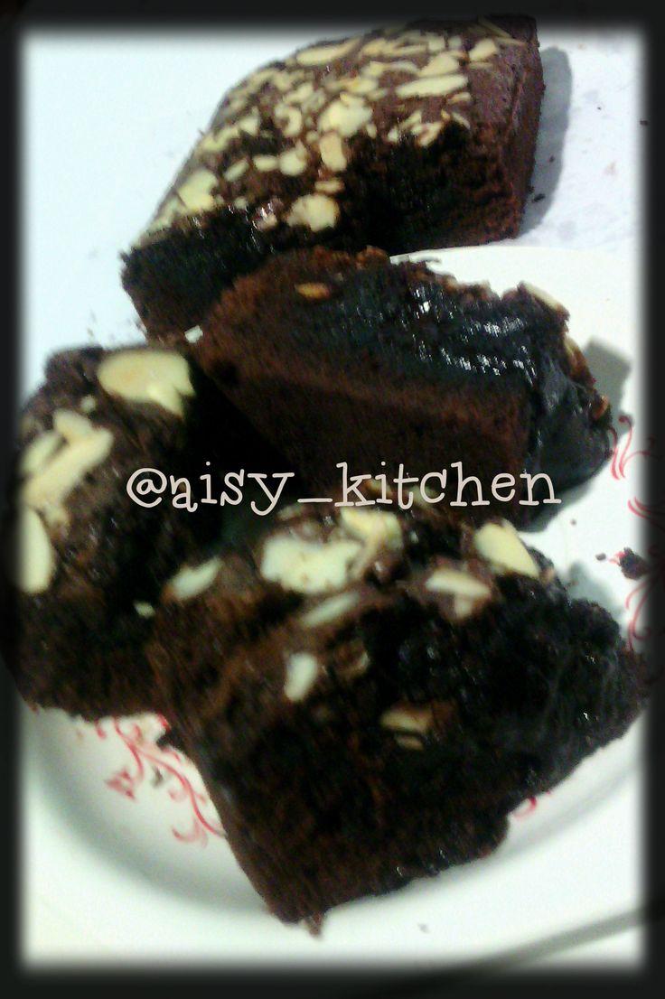 Lagi-lagi brownies....:) Kali ini melted brownies ala yenni agogo