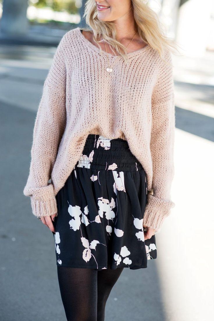 MISSMAYA Mira Skirt Black Flower