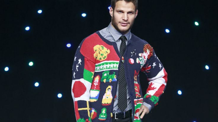 Dice & Ice 2013 - Holiday sweaters - 12/12/2013 - Vancouver Canucks - Photos WOW! Bieksa, very cool. <3