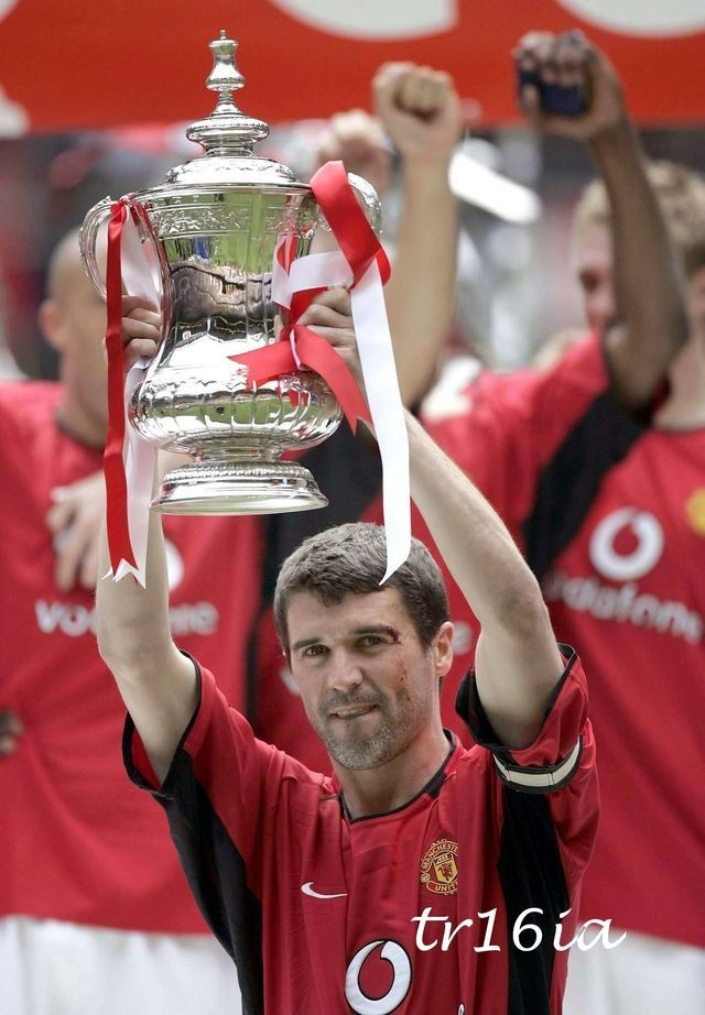 Roy Keane, Manchester United (2004).    Best Captain United has ever had!!