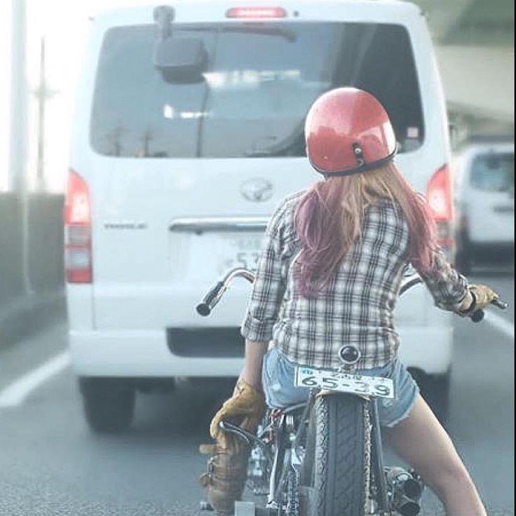 "despatchrider: "" Surreal traffic stopper via @shizuka.0926 #womenwhoride…"