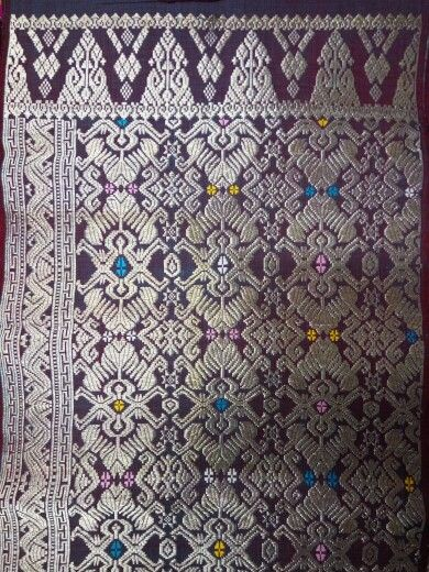 Songket bali full silver thread, quite heavy cloth, klungkung.