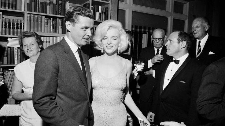 "Marilyn Monroe's $4.8M dress coming to small-town Sask. Sitemize ""Marilyn Monroe's $4.8M dress coming to small-town Sask."" konusu eklenmiştir. Detaylar için ziyaret ediniz. http://www.xjs.us/marilyn-monroes-4-8m-dress-coming-to-small-town-sask.html"