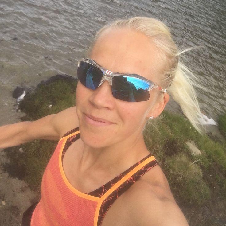 """Gefällt 9,914 Mal, 34 Kommentare - Kaisa Mäkäräinen (@kaisamakarainen) auf Instagram: """"Celebrating 98k with some running pics ❤️☀️♀️Thanks for all! @asicsfinland @blizeyewear…"""""""