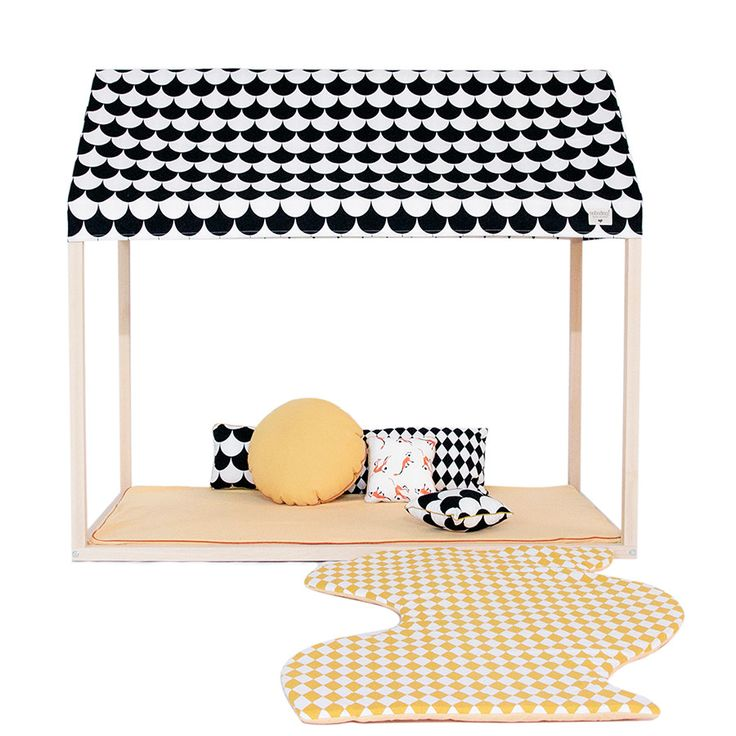 Play House / Bed . Ibiza - Black Scales