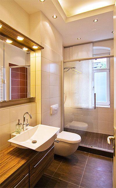 Dusche Vor Dem Fenster Small Bathrooms Badezimmer Baden Und Bad