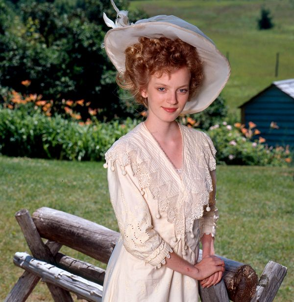 Sara Stanley polley | ... Sarah Polley in Road to Avonlea ? Get the Ultimate Sara Stanley set