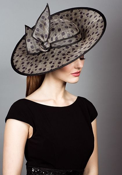 Spot straw sidesweep hats with self spot twist