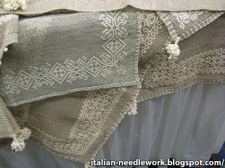 Italian Needlework: Accademia Punto Assisi