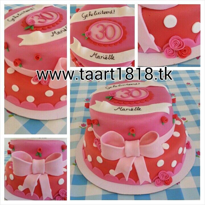Roze bloemen taart! Www.taart1818.tk