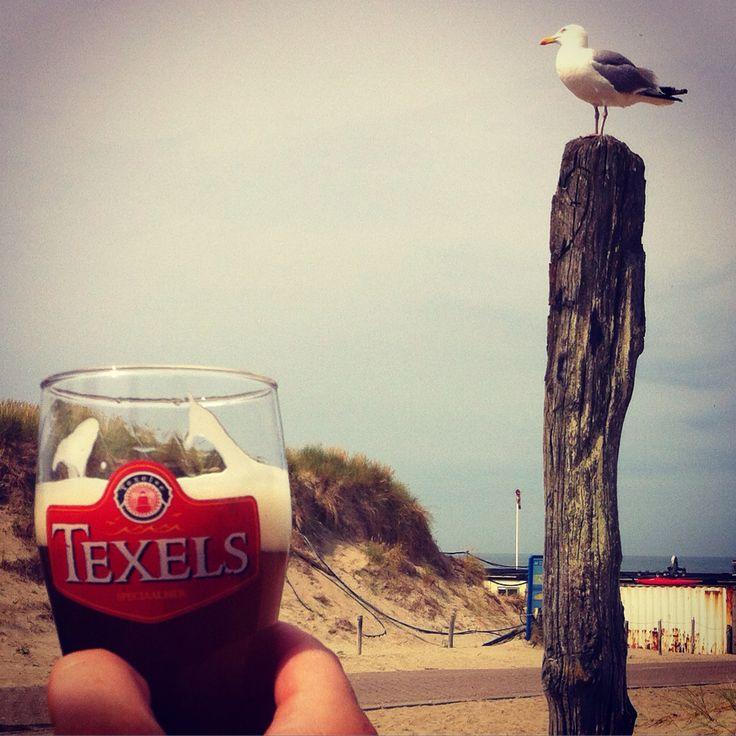 Skuumkoppe drinken bij strandtent 'Paal 9'