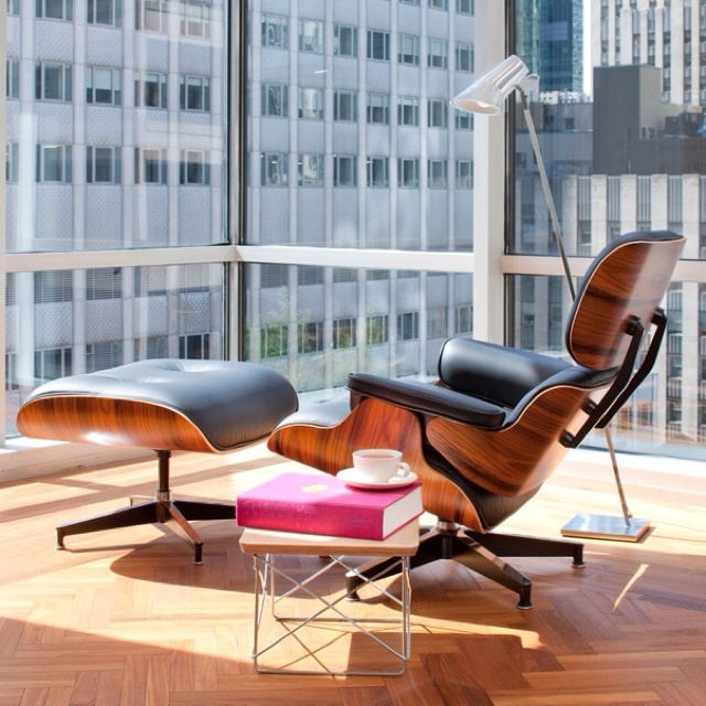Longue Chair and Ottoman - Eames