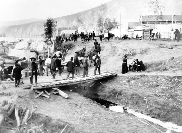 It was August 15th 1896 that gold was found in the Yukon, setting off the Klondike Gold Rush in Canada. Description from pinterest.com. I searched for this on bing.com/images