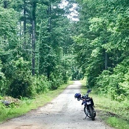 What are your thoughts on the wr250? Read Sara's today!  http://ift.tt/2lHgMmj  #womenadvriders #daretoexplore #wr250 #xsadv #littlebike
