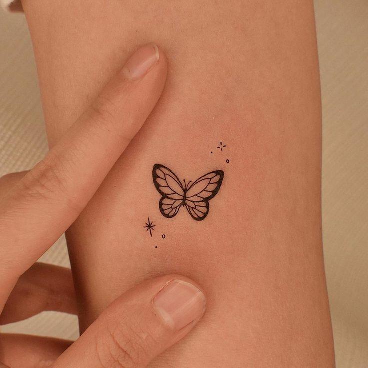 Cute Little Tattoos, Tiny Tattoos For Girls, Cute Tattoos For Women, Beste Freundin Tattoo, Freundin Tattoos, Simplistic Tattoos, Subtle Tattoos, Random Tattoos, Dainty Tattoos