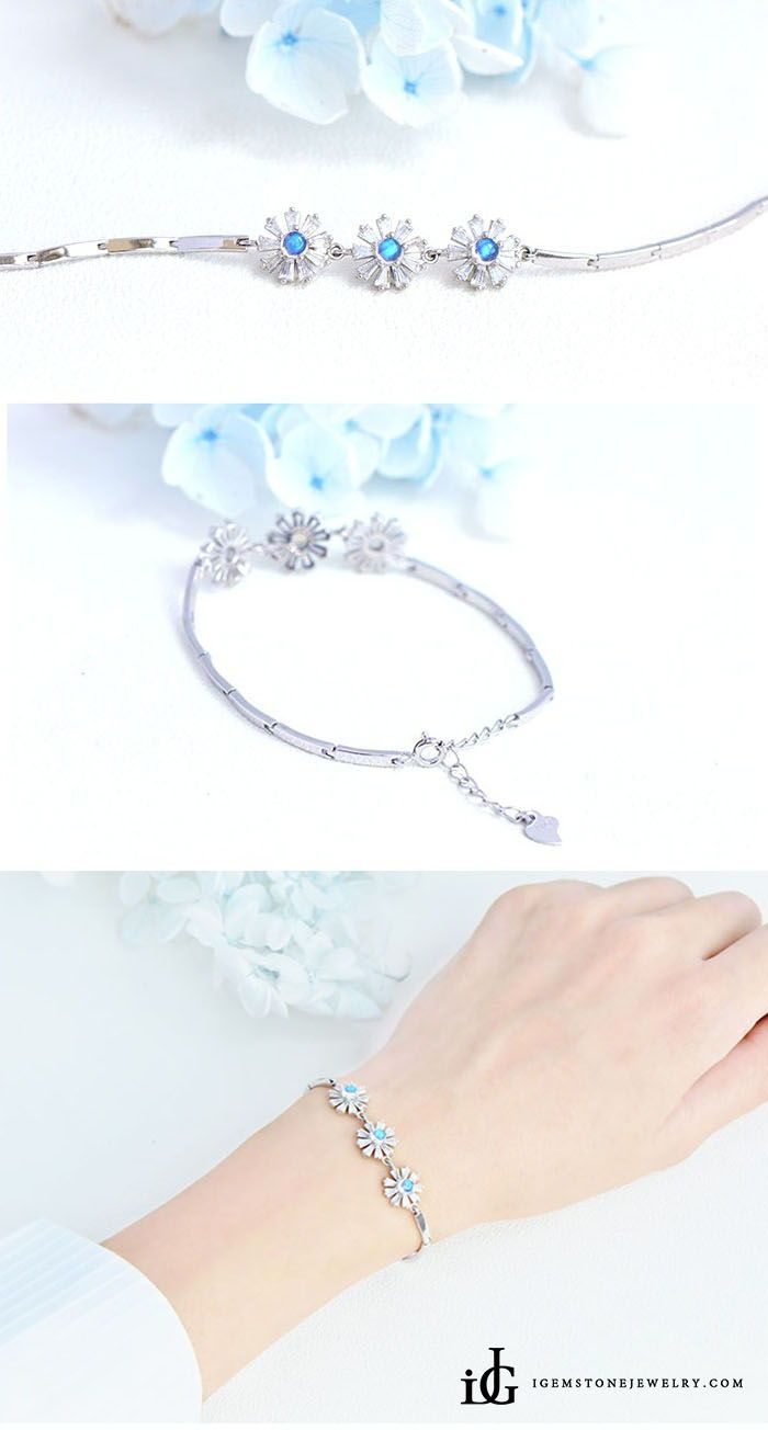 Moonstone flowers bracelet in white gold plated silver june