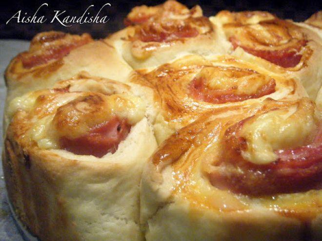 Receta Plato : Pan brioche relleno de bacon, jamón y queso. por Aisha Kandisha